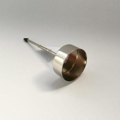 svecnik kovinski srebrna